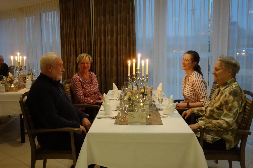 Ein Abendessen Bei Kerzenschein